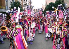 CARNAVAL DE BADAJOZ •   El Carnaval de Badajoz está considerado como uno de los mejores carnavales de España, es de Interés Turístico Regional por la Junta de Extremadura y declarado de Interés Turístico Nacional por el Gobierno de España, tiene como principal característica la amplia participación popular, convirtiéndose las calles de la ciudad extremeña en una masiva fiesta de disfraces, siendo extraño ver por la noche a una persona en toda la ciudad sin llevar un disfraz o máscara.