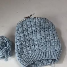 How To Make Cable Knitting Knitting Stiches, Cable Knitting, Baby Hats Knitting, Knitting Yarn, Crochet Stitches, Hand Knitting, Knitted Hats, Cable Needle, Crochet Crafts