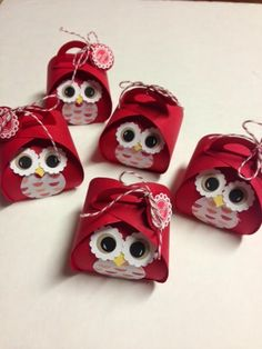 Inking For Others: Valentine Treats Curvey keepsake owl box die Valentine Treats, Valentine Day Cards, Valentines, Owl Box, Cute Box, Owl Crafts, Stamping Up, Keepsake Boxes, Craft Fairs