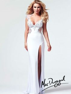 Not a fan of white prom dresses cause they look like wedding dresses, but I LOVE this white sequin gown!!❤️