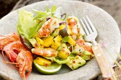 This prawn salad showcases Australia's amazing seafood. aufstrich dessert pflanzen recipes Best Picture For avocado recipes For Your Taste You are looking for something, and it is going to tell … Prawn Mango Salad, Mango Avocado Salad, Avocado Salad Recipes, Avocado Salat, Avocado Dessert, Avocado Toast, Salmon Sashimi, Shrimp Avocado, Christmas Lunch