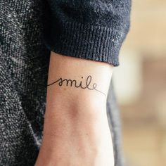 temporary tattoo - makes me happy #frasesparamujeres