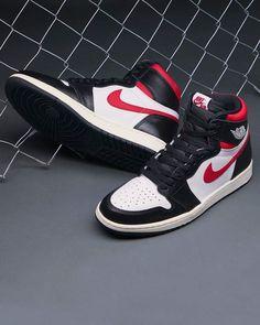 Cute Sneakers, Sneakers Nike, Jordan 1, Swag Outfits Men, Air Jordan Sneakers, Shoes Photo, Sneaker Boots, Custom Shoes, Types Of Shoes