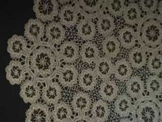 Check out this incredible video of Lace Making in Croatia that demonstrates traditional methods of both needlepoint lace-making and bobbin lace-making. Teneriffe, Irish Crochet, Crochet Lace, Bobbin Lacemaking, Types Of Lace, Point Lace, Linens And Lace, Needle Lace, Lace Embroidery