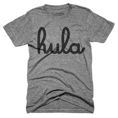 『hula』のロゴがインパクト大のTシャツ。 合わせるアイテムを選ばないので着まわし力も抜群! デイリーユースにピッタリな1枚です。Unisex Classic Series T-shirt - Size XS,S,M,L,XL - Tags : #hula #huladance #フラ #フラダンス #ハワイ #hawaii #アロハ #aloha