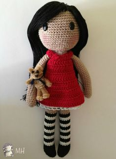 Free pattern for Gorjuss crochet doll. Page must be translated