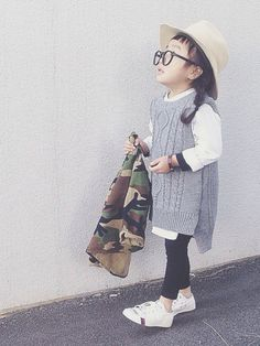 Mens wear for girls is very chic and a bold choice! Kids Fashion Boy, Young Fashion, Little Girl Fashion, Cute Fashion, Trendy Kids, Stylish Kids, Baby Kids Clothes, Kid Styles, Kind Mode