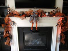 Lighted Black, White and Orange Halloween Mantle Decoration with Witch Legs, Long Halloween Garland for Fireplace Mantle, Halloween Decor