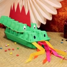 Tutorial for DIY with the kids a dragon in an egg box for the Chinese New Year Chinese New Year Crafts For Kids, Chinese New Year Dragon, Art For Kids, Creative Activities, Creative Kids, Toddler Activities, New Year's Crafts, Cute Crafts, Box Manga