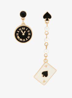 Lewis Carroll Alice In Wonderland Mismatch Earrings – Schmuck modelle Ear Jewelry, Cute Jewelry, Jewelry Accessories, Jewelry Box, Black Jewelry, Jewelry Stand, Jewelry Necklaces, Jewelry Making, Safety Pin Earrings