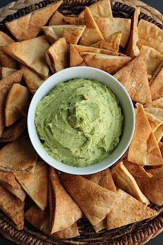 AVOCADO HUMMUS DIP WITH CRISPY SEA SALT PITA CHIPS