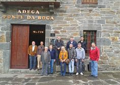 Clientes de la Delegación de Vigo de Estrella Galicia que visitaron Custom Drinks y Ponte da Boga el lunes 17 de junio.