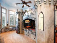 Castle-Themed Kids' Bedroom >> http://www.frontdoor.com/coolhouses/5-homes-with-whimsical-kids-rooms?soc=pinterest