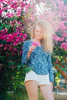 Красивая девушка и розовый цветок Gili Air. Follow me on Instagram @chebesovfilms Gili Air, Pink Flowers, Beautiful, Instagram, Style, Fashion, Swag, Moda, Stylus