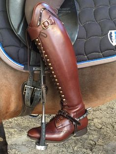 Why do you think is it essential to consider the proper suggestions in acquiring the equestrian boots to be utilized with or without any horseback riding competitors?