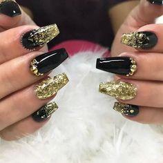 Black and Gold Jewel Studded Nails Black Gold Nails, Gold Acrylic Nails, Black Coffin Nails, Gold Nail Polish, Gold Nail Art, Black Gold Jewelry, White Nails, Nail Black, Diamond Nail Designs