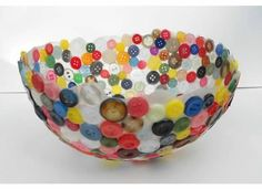 a button bowl tutorial that will result in an actual button bowl, instead of a pile of crumpled buttons stuck to a deflated balloon :)