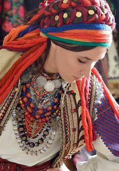 Ukrainian national costume. Гарні дукачі!