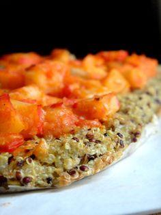 A receita desta pizza vem na revista Segredos de Cozinha  , já tinha feito uma e ao ver esta resolvi experimentar.  Usei mix de qui...