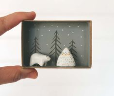 Your own pocket wintery scenery, just on time for Christmas! Hand-sculpted in air-drying clay, painted and finished with high quality matt
