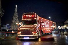 Coca Cola Christmas Truck Tour Dates 2016 Coca Cola Ham, Coca Cola Poster, Pepsi, Coca Cola Christmas, Christmas Truck, Christmas Treats, Beer Cartoon, Coca Cola Brands, Best Soda