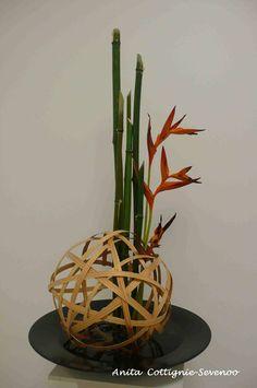 Rattan ball, Bamboo or Horsetail, Bird of Paradise Flower Arrangement Designs, Ikebana Flower Arrangement, Ikebana Arrangements, Beautiful Flower Arrangements, Flower Designs, Floral Arrangements, Asian Flowers, Japanese Flowers, Dried Flowers