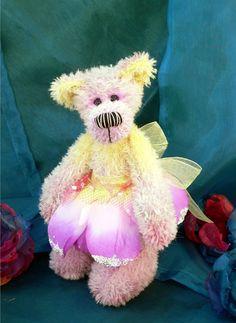 Artist teddy bear PDF sewing pattern - Fantastic Faye
