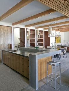 raise the back of the island to hide cooking clutter in an open kitchen. beach style kitchen by Laidlaw Schultz architects Open Plan Kitchen Living Room, Open Kitchen, Kitchen Island Raised Bar, Contemporary Kitchen Island, Breakfast Bar Kitchen, Breakfast Bars, Hidden Kitchen, Cocinas Kitchen, Counter Design