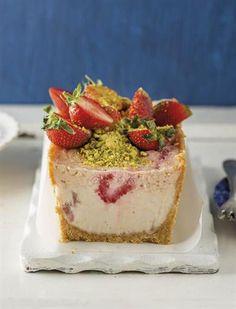 8 minuut jogurt kaaskoek 1 x 200 g-pakkie klapperkoekies No Bake Desserts, Easy Desserts, Delicious Desserts, Dessert Recipes, Yummy Food, Tart Recipes, Cheesecake Recipes, Brownie Cheesecake, Sweet Recipes