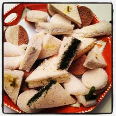 The best tea sandwiches in the whole world!  sillymessychic.blogspot.com
