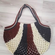 Instagram'da #fileçanta konu etiketi • Fotoğraflar ve Videolar Crochet Beach Bags, Crochet Market Bag, Crochet Tote, Crochet Handbags, Knit Crochet, Unique Bags, Simple Bags, Butterfly Bags, Net Bag