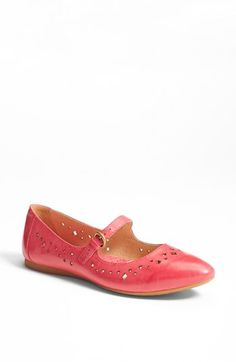 I'm pretty sure these shoes were made for me! Comfy and supportive for my old lady hips, and pink...does it get any better than that?! A must have. Børn 'Linney' Leather Flat available at #Nordstrom