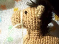 Tejidos Thina: PATRÓN CABALLITO AMIGURUMI Free Pattern, Knit Crochet, Crochet Patterns, Lily, Dolls, Knitting, Hats, Blog, Animals
