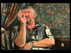 Tolla van der Merwe - Die hoendertjie - YouTube Afrikaans, Jokes, Videos, Funny, Youtube, Projects, Chistes, Blue Prints, Memes