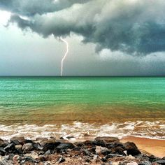 God's creation is beautiful. Beautiful Sites, Beautiful World, Beautiful Places, Rain Storm, Storm Clouds, Pictures Of Lightning, Thunderstorms, Tornados, The Sky Is Falling