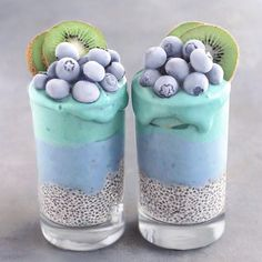 """19.6k Likes, 154 Comments - J o s e (@naturally.jo) on Instagram: """"AQUA Smoothie Cups ✨ Smoothie layers topped with frozen blueberries & kiwis, chia pudding at…"""""""