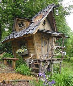 Ma cabane au fond du jardin... en fin plutôt celle des enfants, alors voilà on…