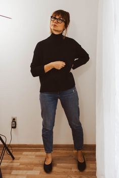 today I'm sharing a new fall 2018 look book featuring affordable ethical fashion. All of the outfits are super accessible and easy to wear! Ethical Clothing, Ethical Fashion, Vegan Fashion, Slow Fashion, Independent Clothing, Cold Weather Fashion, Vintage Jeans, Fall Looks, Affordable Fashion
