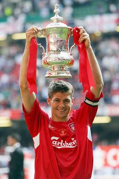 Steven Gerrard lifts the FA Cup after @Liverpool FC defeated West Ham United in the 2006 Final at the Millennium Stadium #LFC #Gerrard #FACup