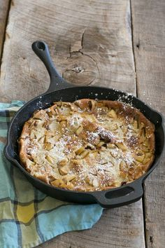 Caramel Apple Skillet Baked Pancake - Sugar and Charm - sweet recipes - entertaining tips - lifestyle inspiration