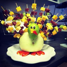 Thanksgiving appetizer or side dish, turkey made from fruit with cheese on skewers!