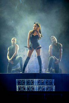 Ariana Grande en LA 11/9/15