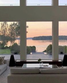 Image about luxury in architecture design interior by 𝑒𝓁𝓋𝒾𝓇𝒶 𝒞𝑜𝒞𝑜 Future House, My House, Beautiful Homes, Beautiful Places, Beautiful Pictures, Best Decor, Decor Diy, Decoration, Aesthetic Rooms