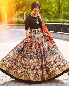 62 ideas wedding dresses indian outfits saris for 2019 Lengha Design, Lehenga Designs, Lengha Dress, Lehenga Choli, Sabyasachi, Bridal Lehenga, Indian Attire, Indian Wear, Indian India
