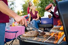 RV Tailgating: What You Need Know Tailgating Recipes, Tailgate Food, Grilling Recipes, Party Recipes, Crowd Recipes, Barbecue, Tailgate Decorations, Food Swap, Bratwurst