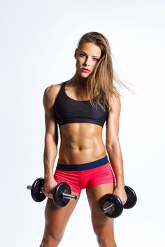 Strength building workout-Try this simple strength-training routine that works every muscle in your body. Fitness Photos, Fitness Models, Fitness Fun, Fitness Women, Female Fitness, Fitness Life, Health Fitness, Women's Health, Strength Training Workouts