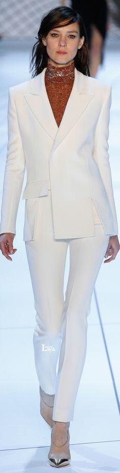 Mugler Fall 2015 Ready-to-Wear Collection Photos - Vogue Fashion Week, Work Fashion, Fashion Show, Womens Fashion, Fashion Design, Paris Fashion, Look Chic, Bridal Looks, White Fashion