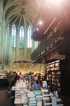 Selexyz Dominicanen, a 13th century Gothic church turned bookstore. Amazing place! #books #bookstores #maastricht