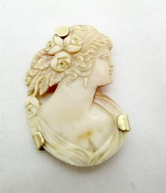 Victorian 14k Gold Carved Shell Cameo Pin Pendant Intricate Cut Out Maiden