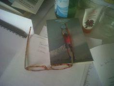 Questa foto l'ha scattata Paola Gallo, editor Einaudi, sulla sua scrivania. Praticamente la culla del libro!